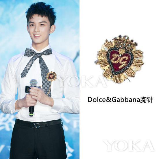 吴磊佩戴D&G胸针(艺人图片来源于吴磊工作室微博)