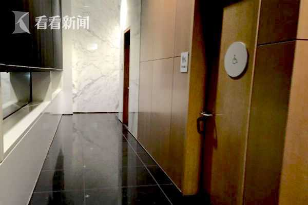 知名学者倒在厕所18小时没人发现 猝死机场贵宾室