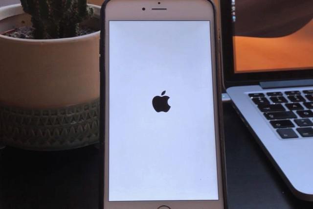 苹果iOS12漏洞,只需几行代码就能让你的手机崩溃重启图片 第1张