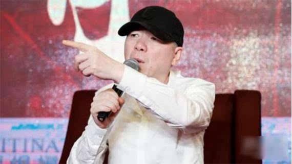 冯小刚否认嘲讽《战狼2》 痛骂造谣者:小人作乱