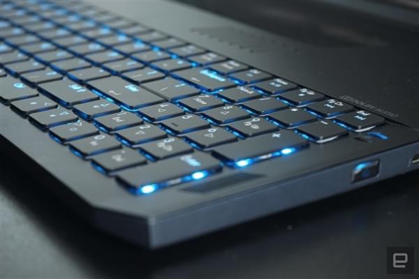 透明触控板+机械键盘 宏碁超薄i7游戏本Predator Triton 700发布的照片 - 12