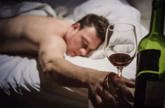 红酒养生助眠?真相原来是这样
