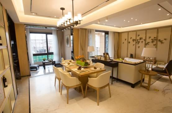 2米宽厅设计之外,在露台,花园,景观打造上也独具匠心,直逼别墅品质.