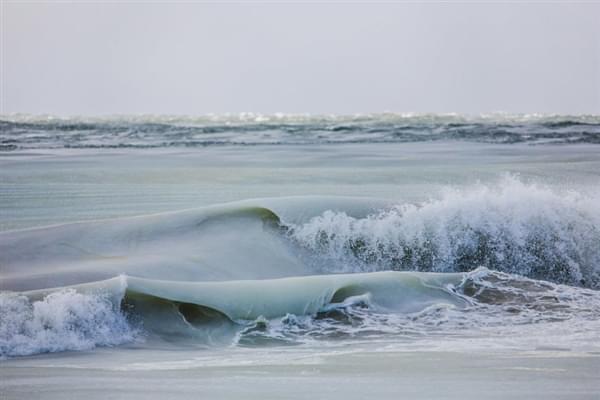 美国81年来最冷冬天:海浪都被冻上了的照片 - 2