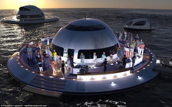 意设计师设计UFO形状游艇 两年后实现飞行功能的照片 - 1