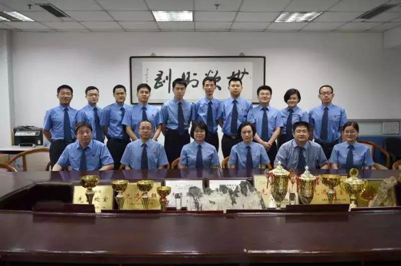 """被称现实版""""侯亮平"""":公诉孙政才的团队平均年龄35岁"""