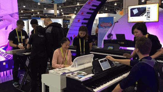 The ONE智能钢琴教室首次亮相CES 推动全球音乐教育普及运动