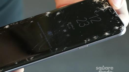 三星S8成史上最脆皮手机:轻轻一跌惨不忍睹的照片 - 2