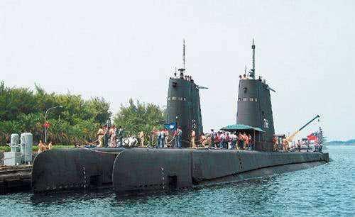 """经费有限 人员短缺:美媒""""建议""""台军研发无人潜艇"""
