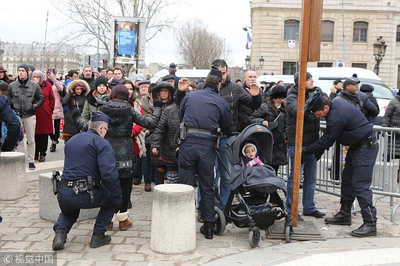 法国一街区枪战后幼儿园发现子弹 园方:我微商如何招代理的课程们赶紧搬