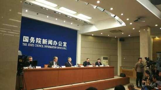 """王兆星谈债转股:市场化运行,""""没有家长包办"""""""