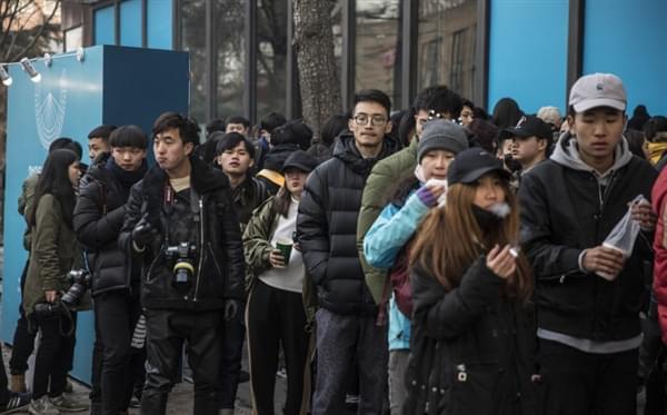 陈冠希办个人摄影展引网友围观的照片 - 5
