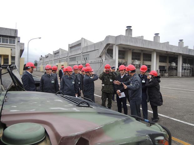 """台湾赠送""""邦交国""""10亿新台币军备 车胎却还漏气"""