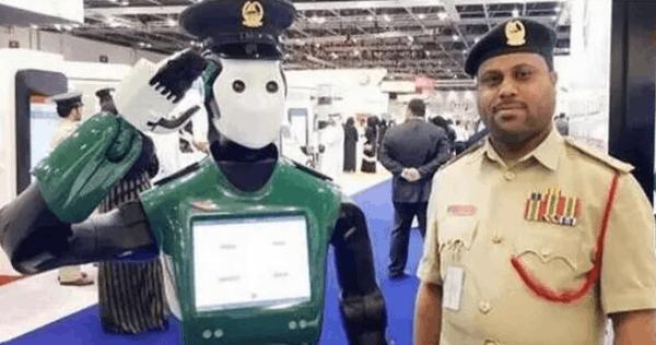 越来越智能 迪拜首名机器人警察将于2017年上岗