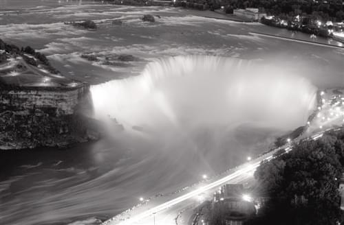 尼亚加拉大瀑布:流淌冬日欢歌