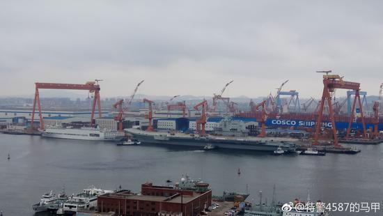 中国首艘国产航母今日或海试 多艘拖船已集结就位