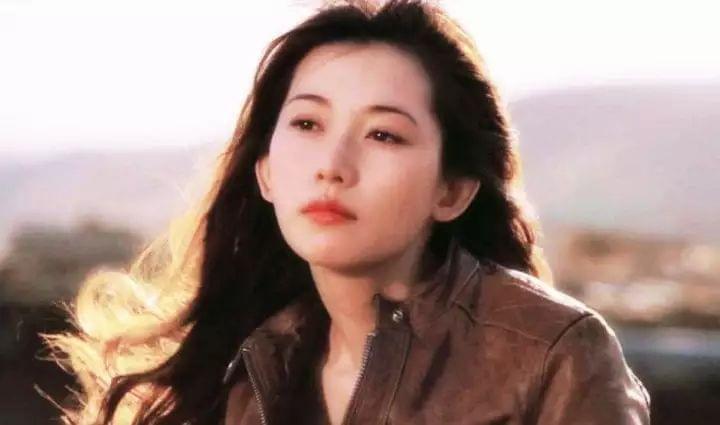 43岁的林志玲,怎么就迈不过旧情这道坎儿