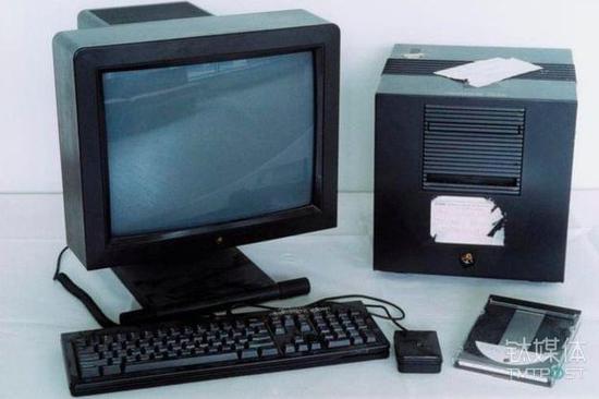 Tim Berners-Lee爵士发明万维网时用的电脑。图片来源/bbc.com