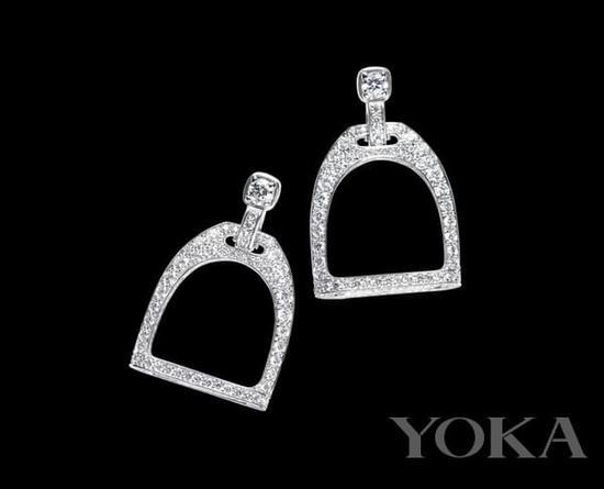 Ralph Lauren珠宝以马镫为灵感。