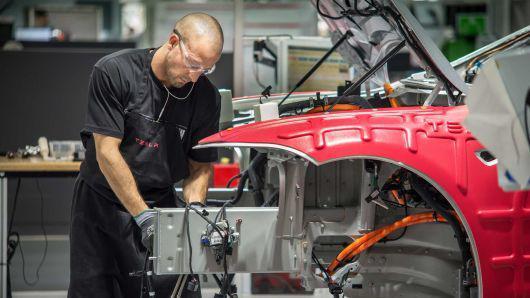 特斯拉:预计未来两年将投资60亿美元开发新汽车【多