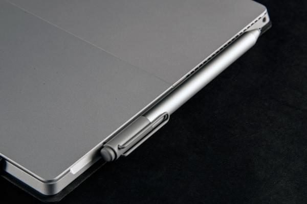 Surface Pro宣传视频:MacBook无法提供高精度的触控体验的照片