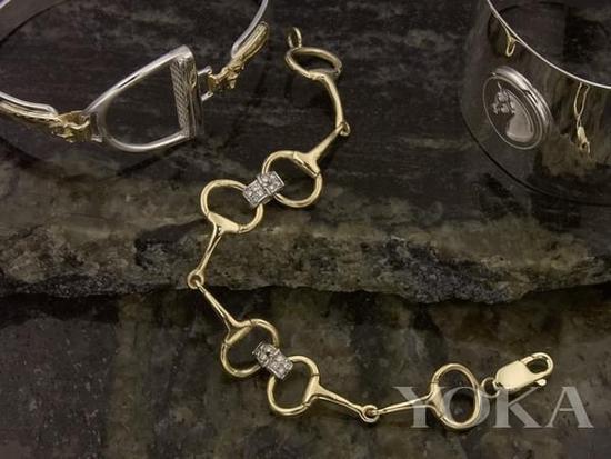Ralph Lauren珠宝以马衔扣为灵感。