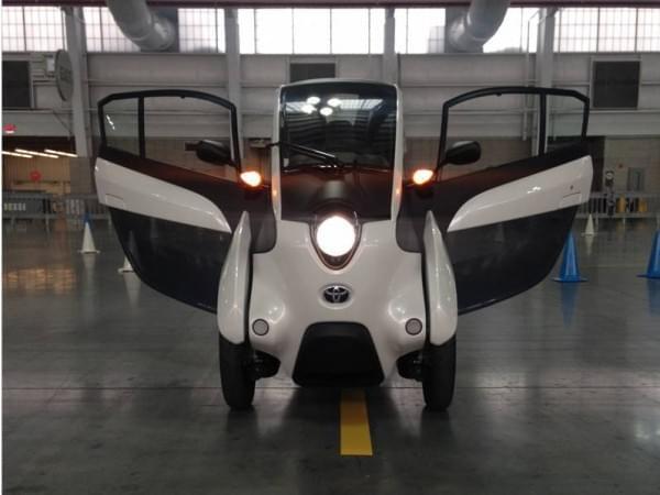 试驾丰田i-Road电动汽车:重量只有300KG的照片 - 1