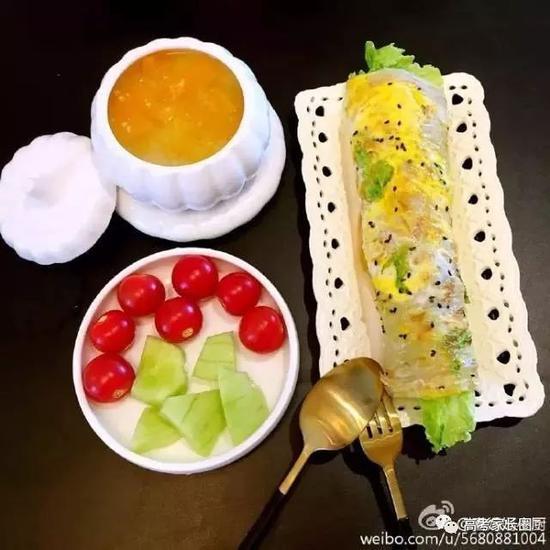 养心养胃又养眼的南瓜小米粥+鸡蛋饼