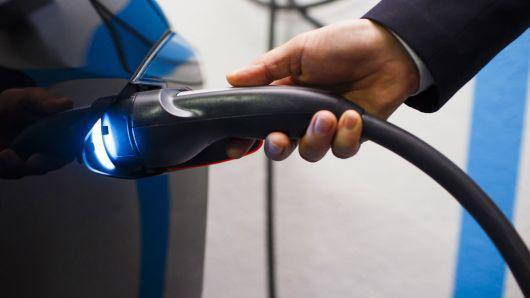 电动汽车推广是大势所趋 燃油车产业终将被淘汰