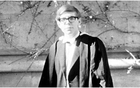 1962年,霍金的毕业照