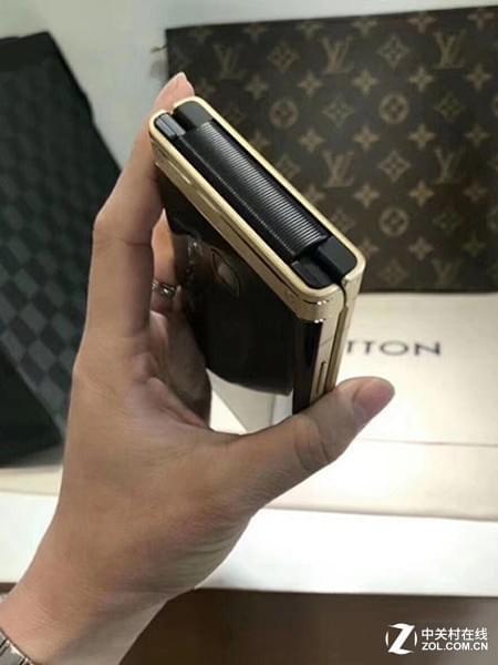 三星W2018下月1号发:能买两台iPhone X