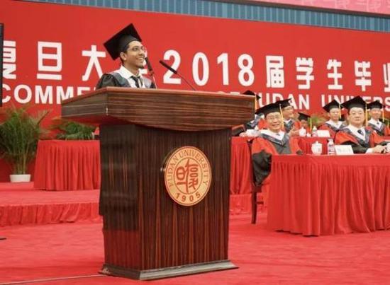 来华留学生的毕业选择:留华工作创业还是回国