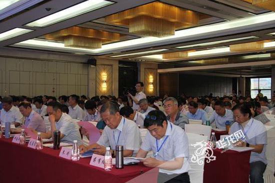 凝聚新葡亰496net行业职业教育发展新动能 新葡亰496net行指委2017年度工作会议在渝召开