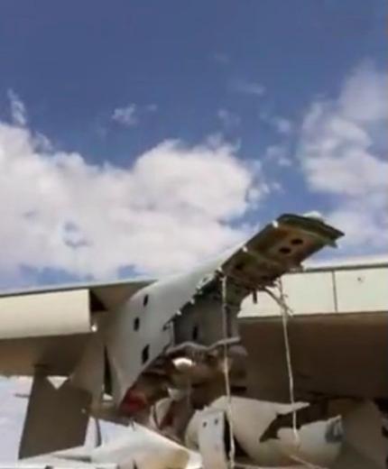 飞机航行中引擎掉落 《变形金刚》导演气炸了
