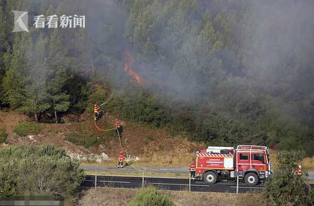 葡萄牙发生山林大火 国家公园300名露营者连夜逃命