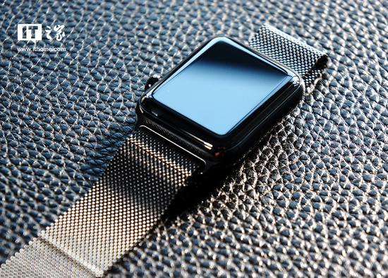 曝苹果Apple Watch Series 4秋季发:更大屏幕