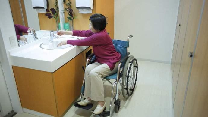 武装到厕所!日本无障碍设计为何获得世界级美誉