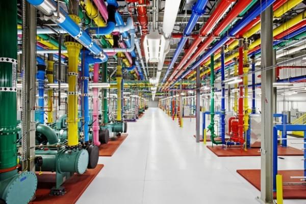谷歌欲借机器学习技术在云服务领域赶超AWS与Azure的照片
