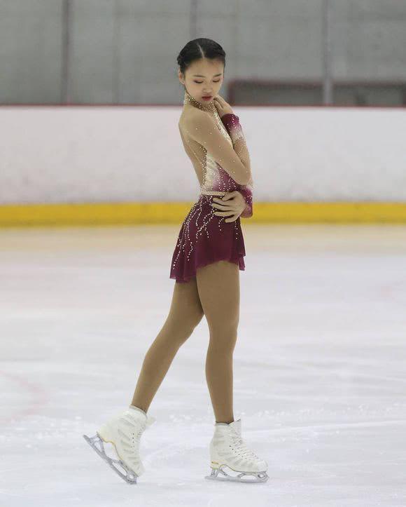 00后天才少女夺全美冠军后 弃美籍成中国队一员