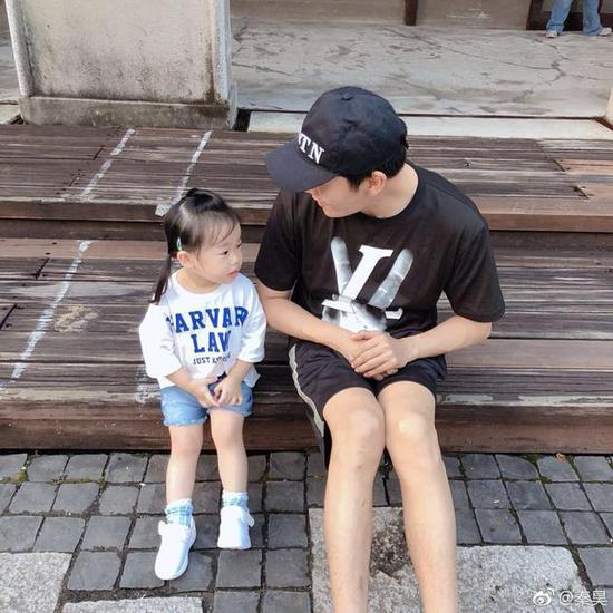 秦昊和女兒小米粒
