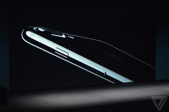 防水防尘+新颜色 苹果iPhone7正式发布