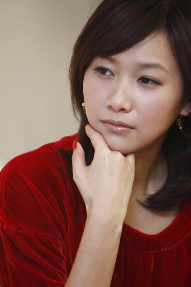 徐静蕾一年不买衣服期限结束:明天要去买买买!