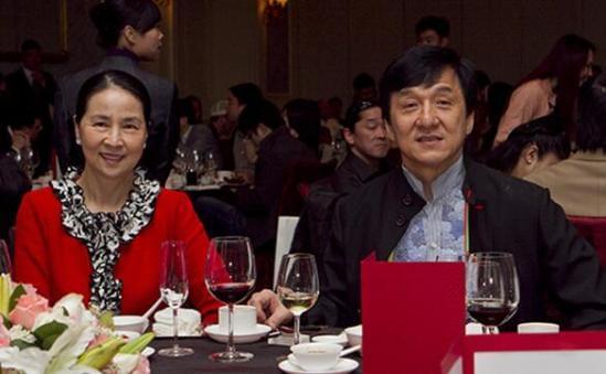 成龙新歌与老婆一起填词 林凤娇欲与儿子同办婚礼