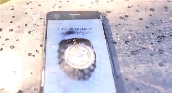 当iPhone 7遇上世界最亮手电筒:被虐惨