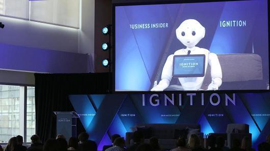诺贝尔奖得主希勒:应对AI威胁,要为民众提供生活保险