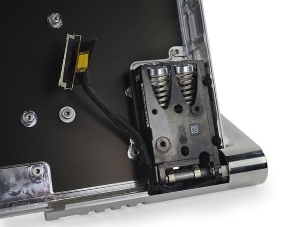 Surface Studio拆解:内部有ARM处理器 可轻松更换硬盘的照片 - 40