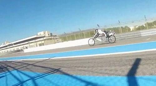 史上至强!这款水动力喷射自行车时速260公里