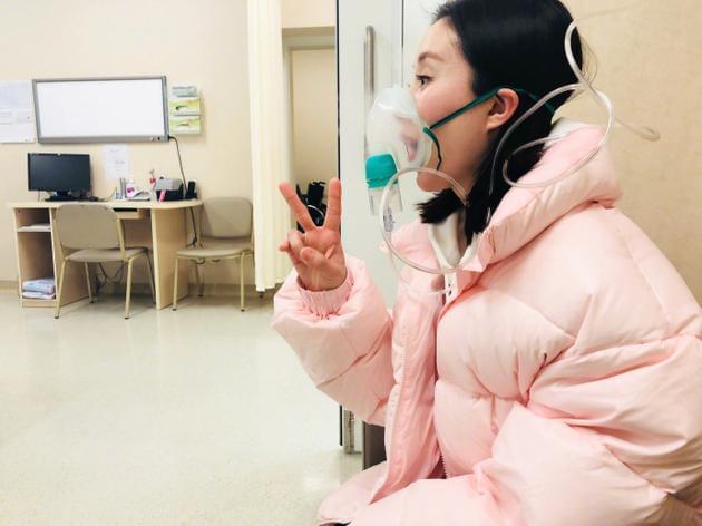 舒畅嗓子失声演了一天的哑剧 去医院治疗苦中作乐