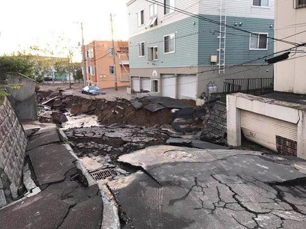 台风刚走地震又来:札幌恍如难民城 居民超市抢购