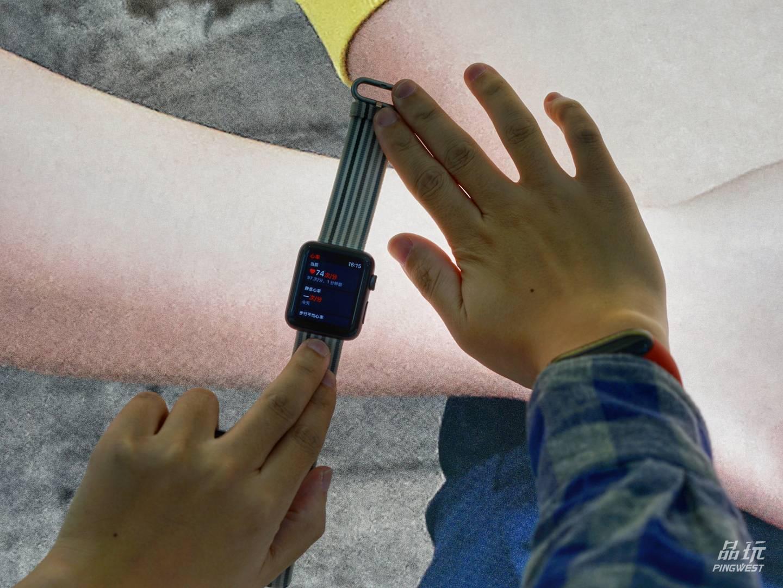 """感谢Apple Watch,我的手办们都""""活""""了"""